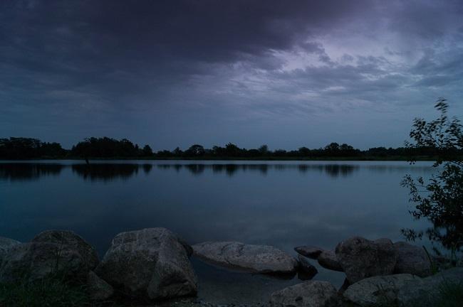 lake-384575_1280